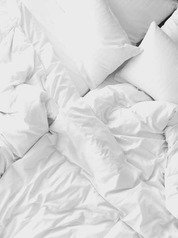 Sauber gewaschene Oberbetten und Kissen in Gladbeck