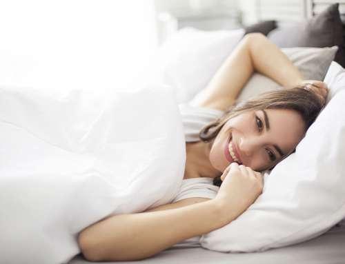 Leichte, luftige Decken und schöne Bettwäsche